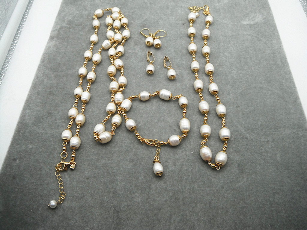 Qingdao jewelry 18K Gold Plated m * a European and American fashion natural cultured pearl earrings bracelet set