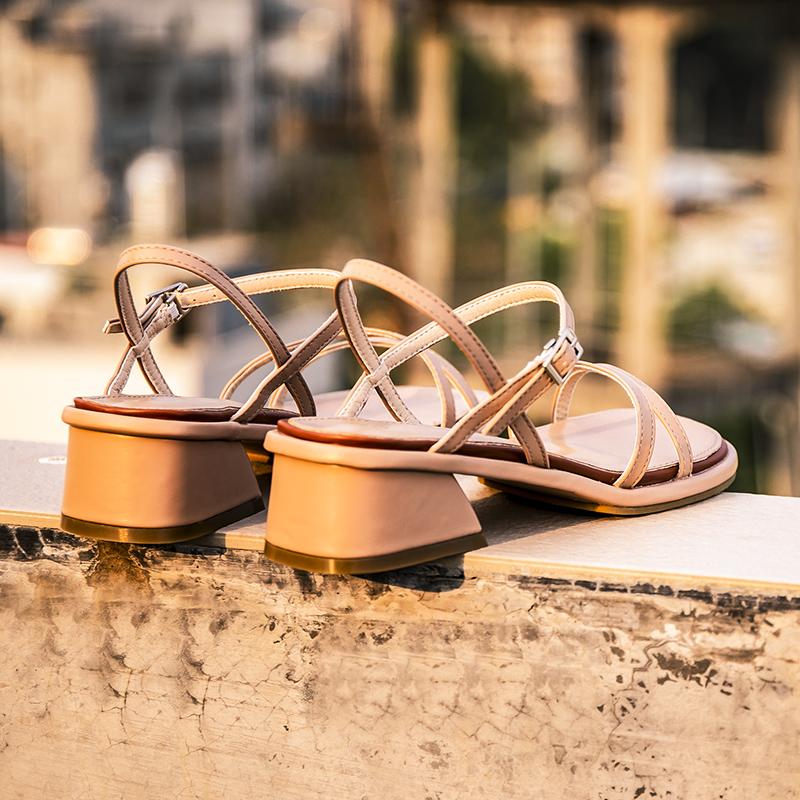 凉鞋女夏中跟一字扣带2021年新款网红超火粗跟5CM仙女风温柔女鞋
