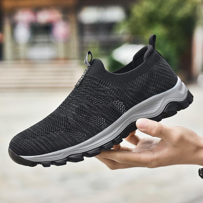 卡帝乐鳄鱼男鞋夏季2020新款一脚蹬运动休闲鞋子透气网面旅游潮鞋