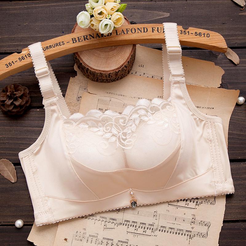 夏季内衣文胸聚拢上托小胸罩加厚抹胸调整型防走光性感薄款无钢圈