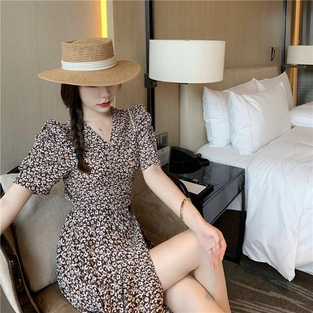 韩国东大门2020夏新款法式复古V领高腰开叉系带泡泡袖雪纺连衣裙