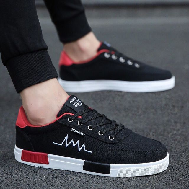 2020 new spring and summer fashion mens shoes Korean version versatile fashionable shoes canvas shoes mens casual shoes breathable sports board shoes