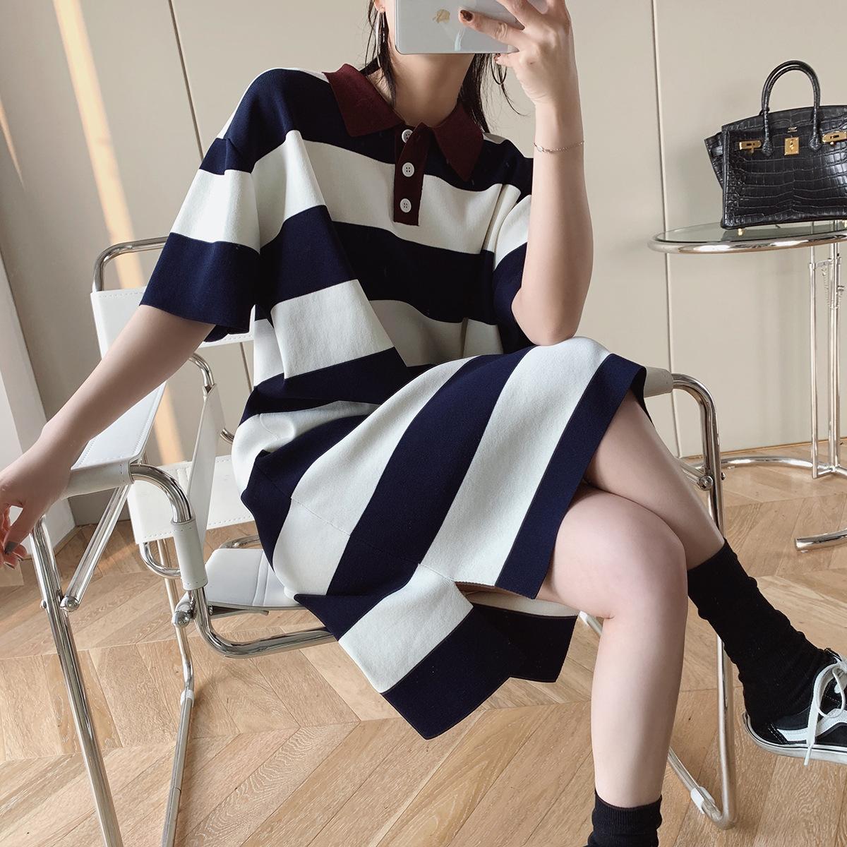 エレガントな女性のニットストライプのワンピース半袖POLO襟ストレートロングスカート妊婦が着られます。