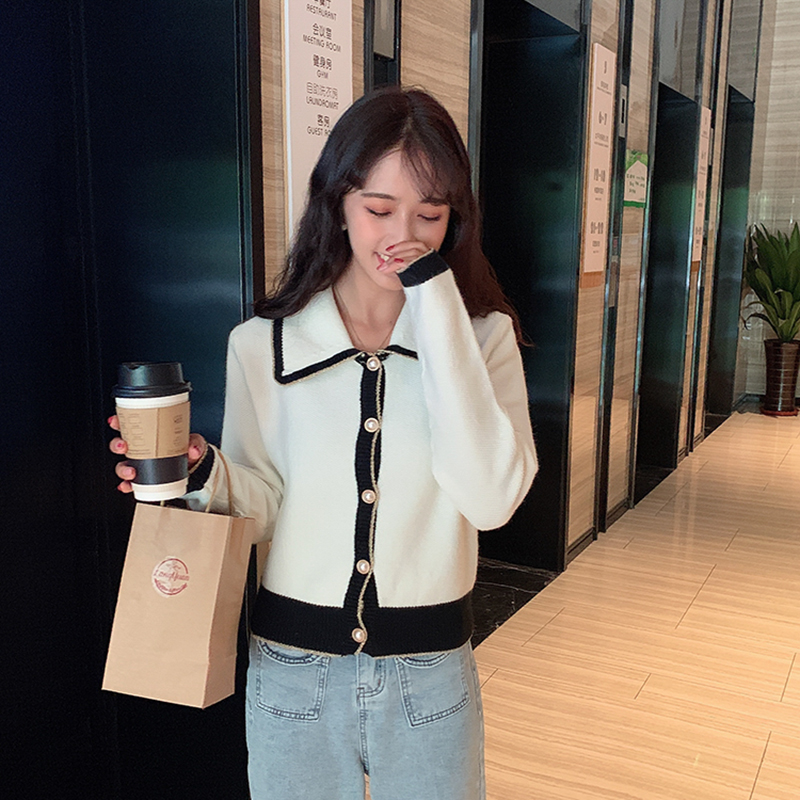 Xiaoxiangfeng Korean knitted cardigan versatile coat womens new wool lace collar sweater in autumn and winter of 2019