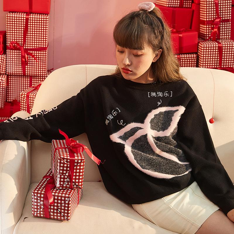 唐狮2020秋冬新款女毛衣大草莓套头高领上衣宽松外穿红色针织衫