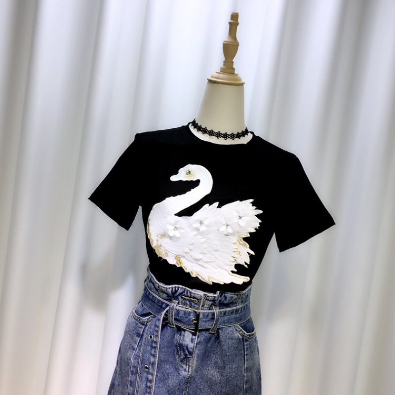 Black short sleeve T-shirt Swan women versatile 2020 summer new Korean heavy industry embroidery half sleeve T-shirt ins top