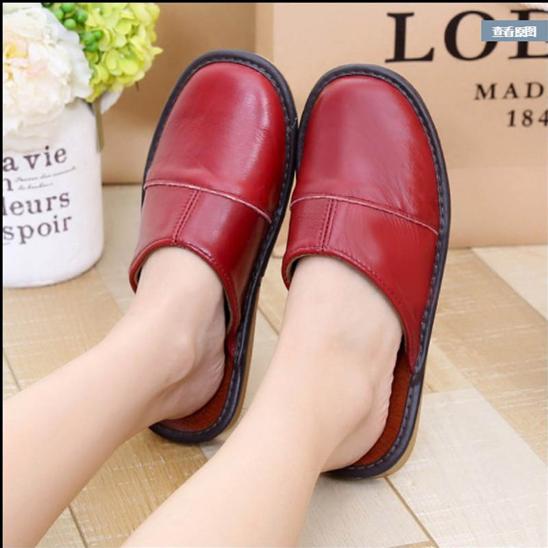 Summer womens Baotou leather sandals mothers flat bottom indoor non slip thick bottom shoes for mens breathable cow leather