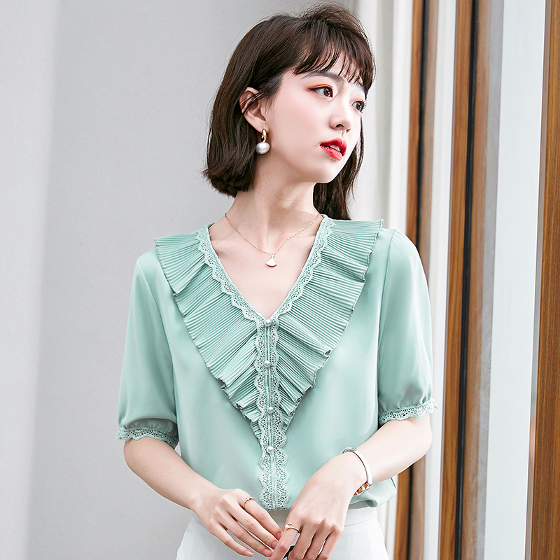 Chiffon shirt womens short sleeve very fairy top 2021 summer new fashion trend foreign temperament lace blouse