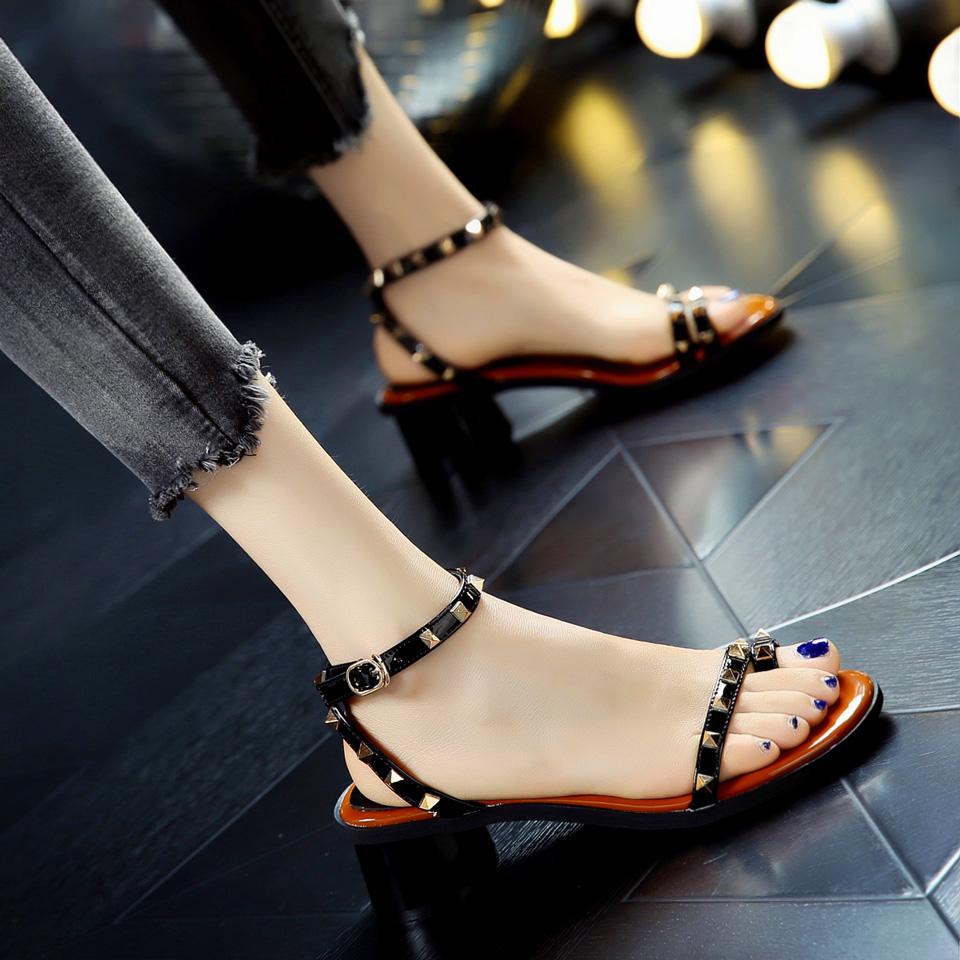 夏天个性学院露趾粗跟铆钉套趾凉鞋交叉带中跟一字带搭扣高跟鞋女
