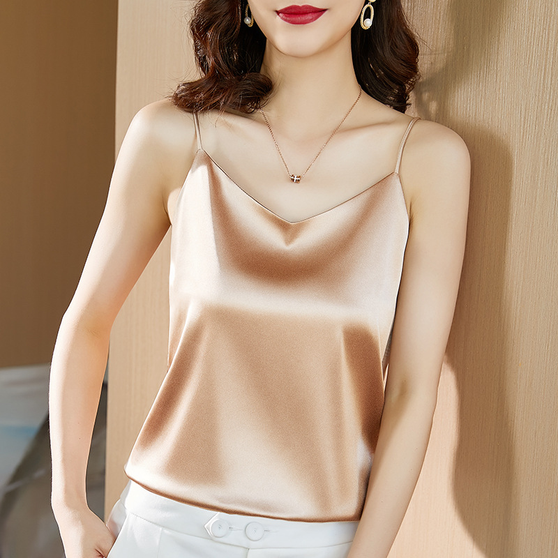 2021 womens Satin ice silk with middle-aged mothers summer bottom coat and breathable suspender vest