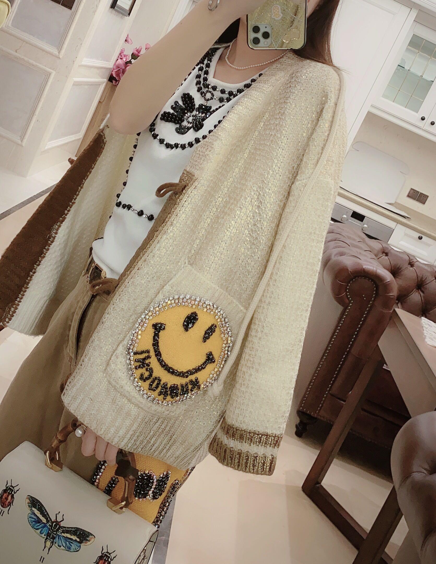 Europe station European smiling face sweater / smiling face Pants / fragrance bottomed vest Beige gold pattern sweater coat