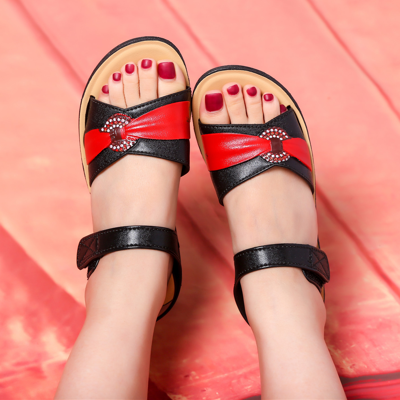 妈妈平底凉鞋女夏季软底新款舒适妈妈中老年坡跟凉鞋女