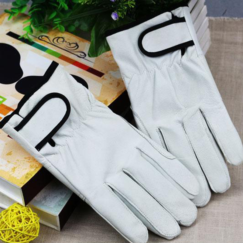 Labor protection winter plush cotton cowhide pigskin wear resistant cutting handling welder protective short gloves