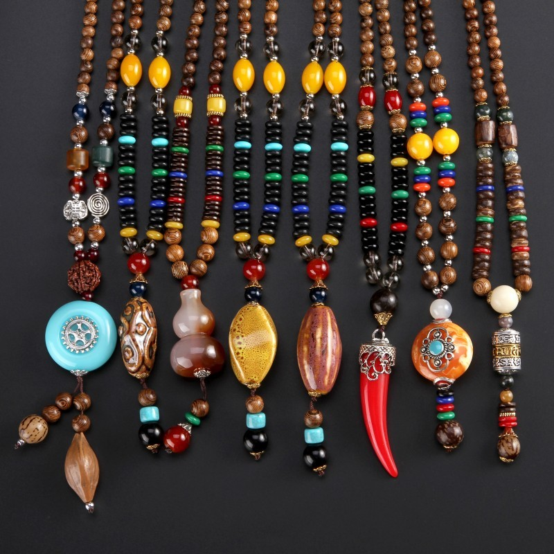 Sweater chain fashion long wooden bead necklace accessories for men and women, fall / winter 2019 new simple ethnic style jewelry
