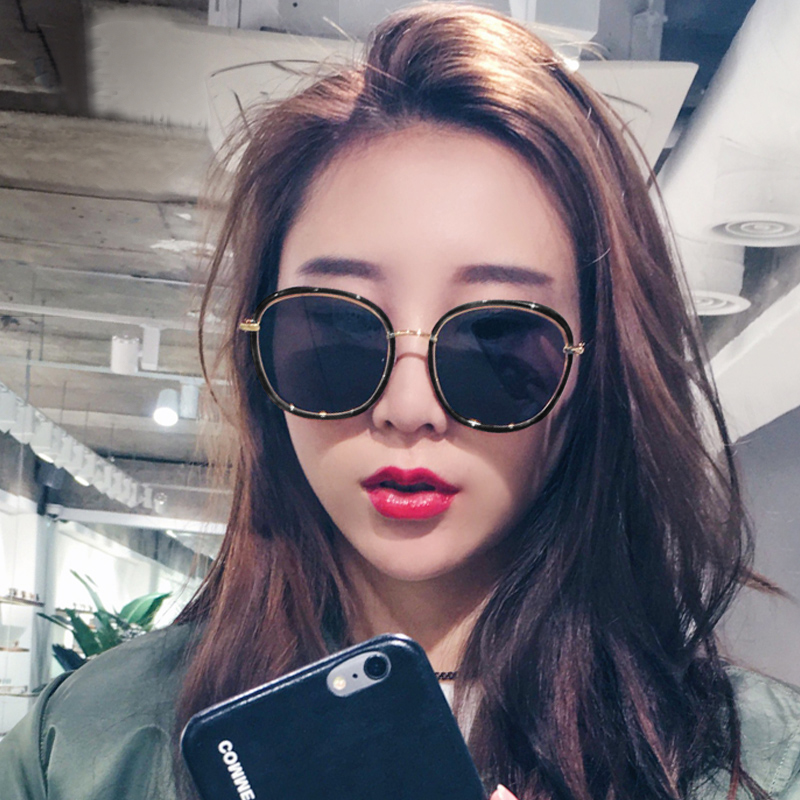 2019 new Sunglasses Womens ins Korean version of tide polarized UV proof Sunglasses net red fashion street shot round face