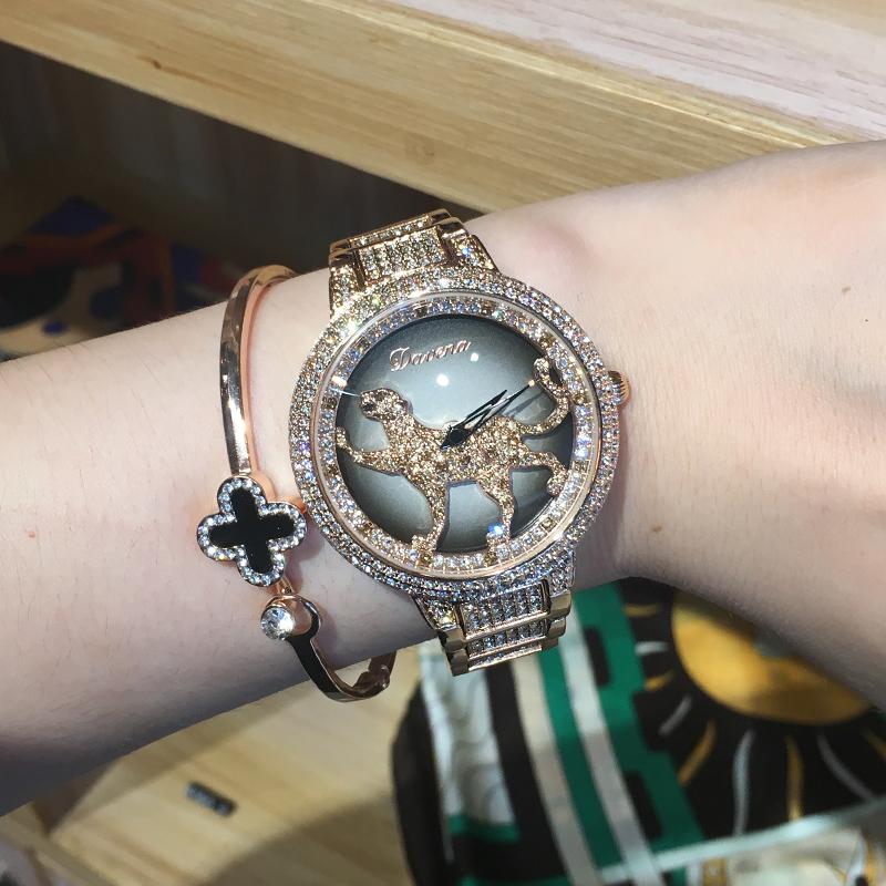 蒂玮娜旋转豹子时尚潮流韩版简约女表手镯手链时装防水钻手表