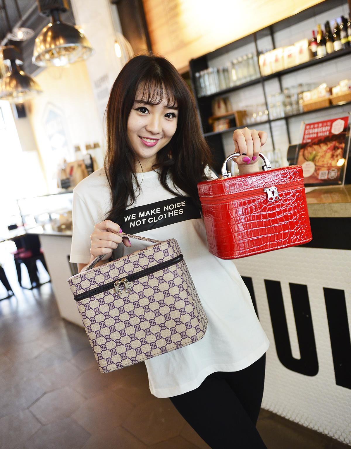 Large Make-Up Case large capacity make-up bag handbag cosmetic storage bag womens handbag special hard