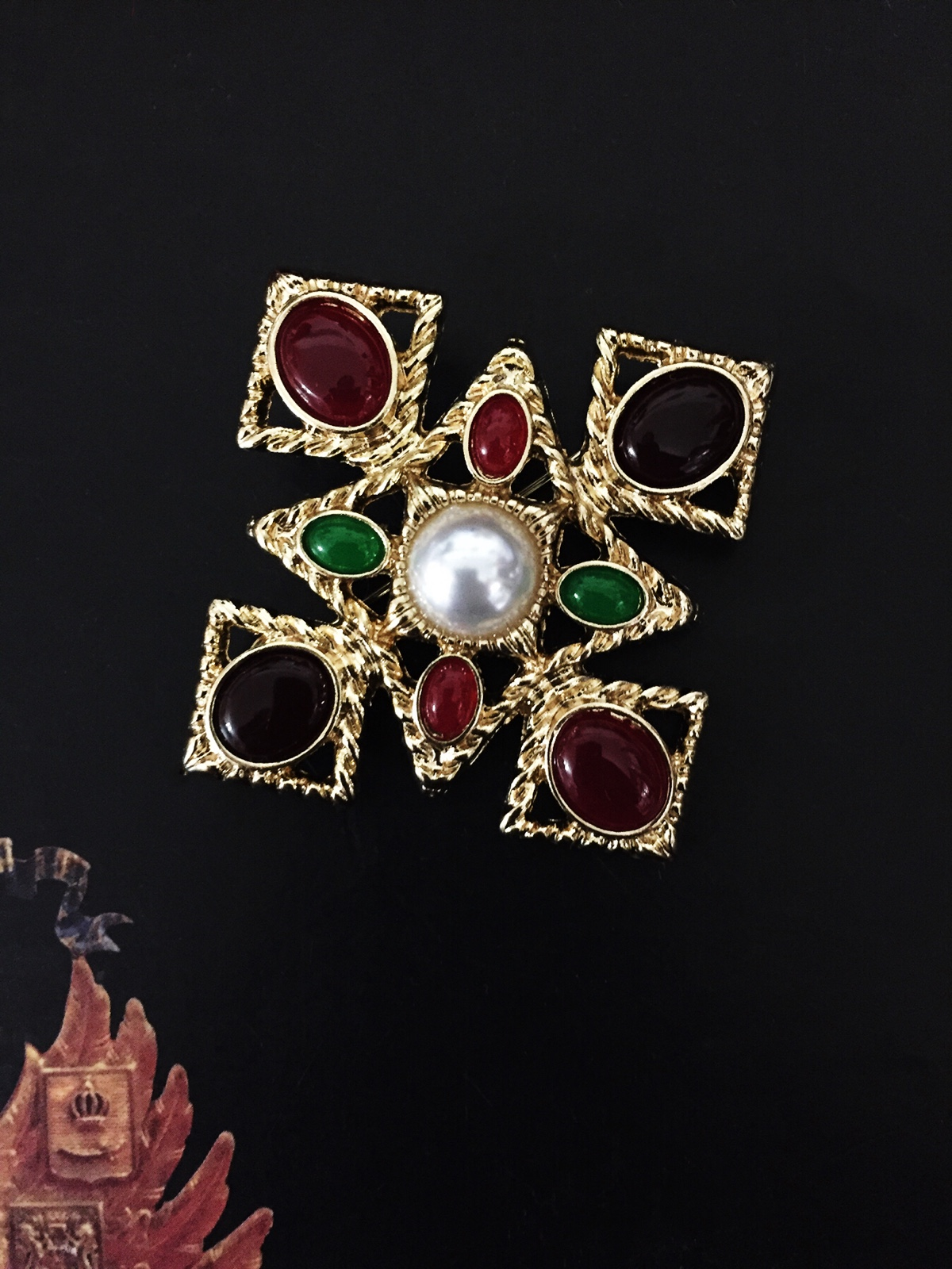 European retro court style Byzantine Baroque Ruby green pearl brooch brooch brooch brooch brooch female