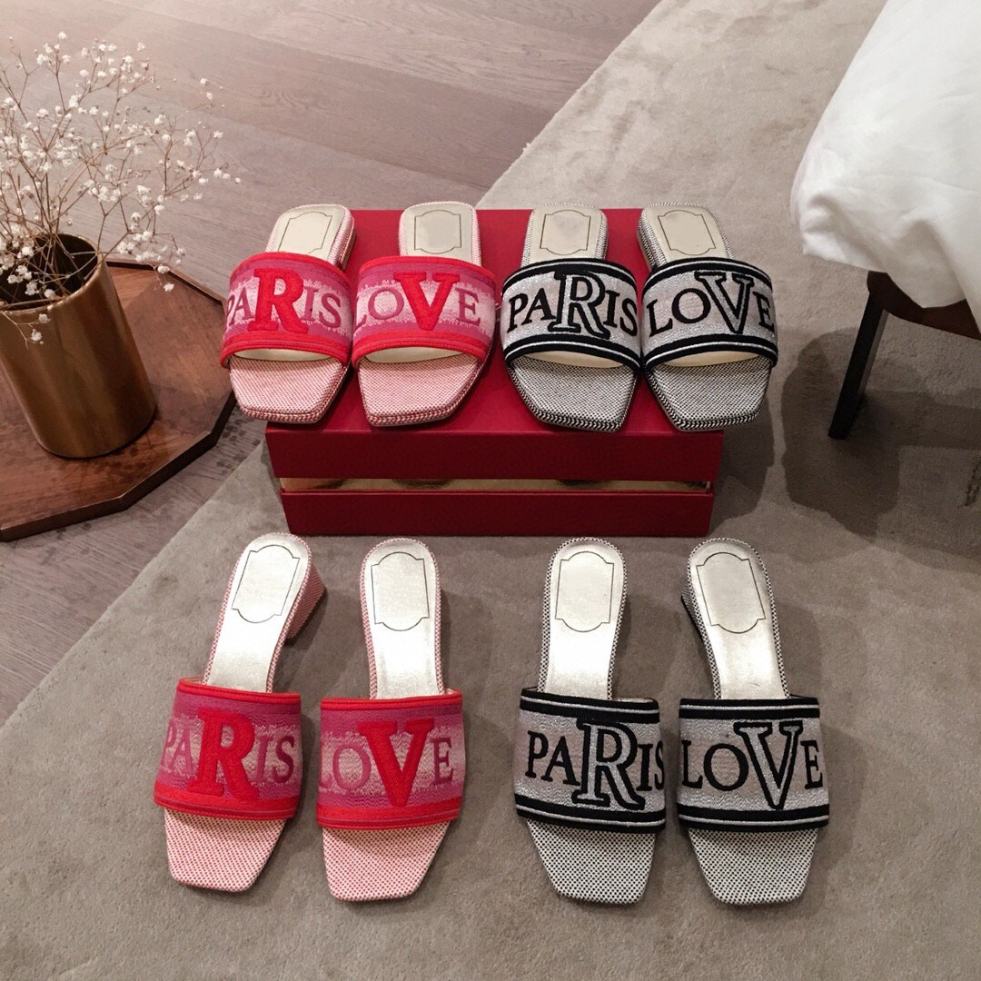 2020 NEW RV square letter love canvas embroidery logo thick heel slippers middle heel flat bottom leather sandals womens shoes