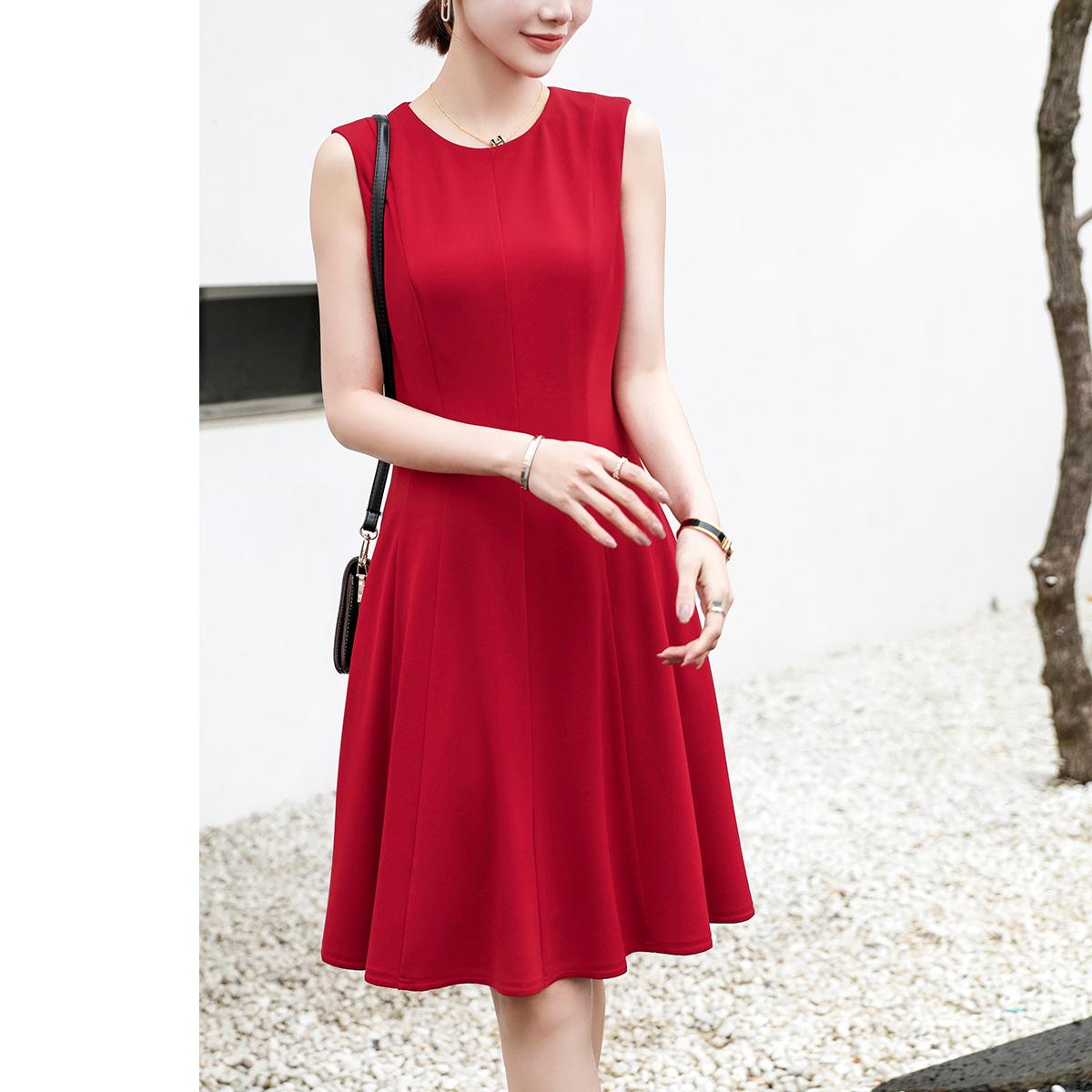 一袭小红裙,惊艳多少人 高垂高弹12片立裁 圆领修身A摆无袖连衣裙