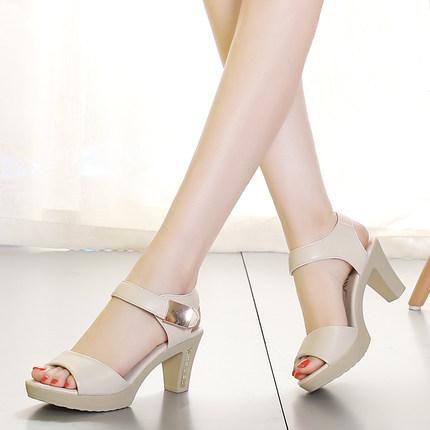 2018夏季新款大东韩版女凉鞋厚底中跟粗跟大码42女鞋百搭妈妈女鞋