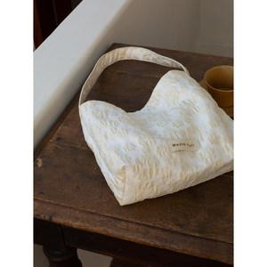 maybekuii#022复古米色斜挎布袋