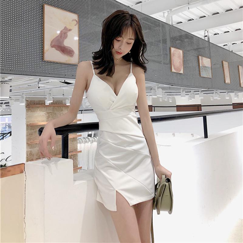 夜场包臀吊带裙V领低胸修身显瘦性感连衣裙褶皱设计收腰开叉短裙