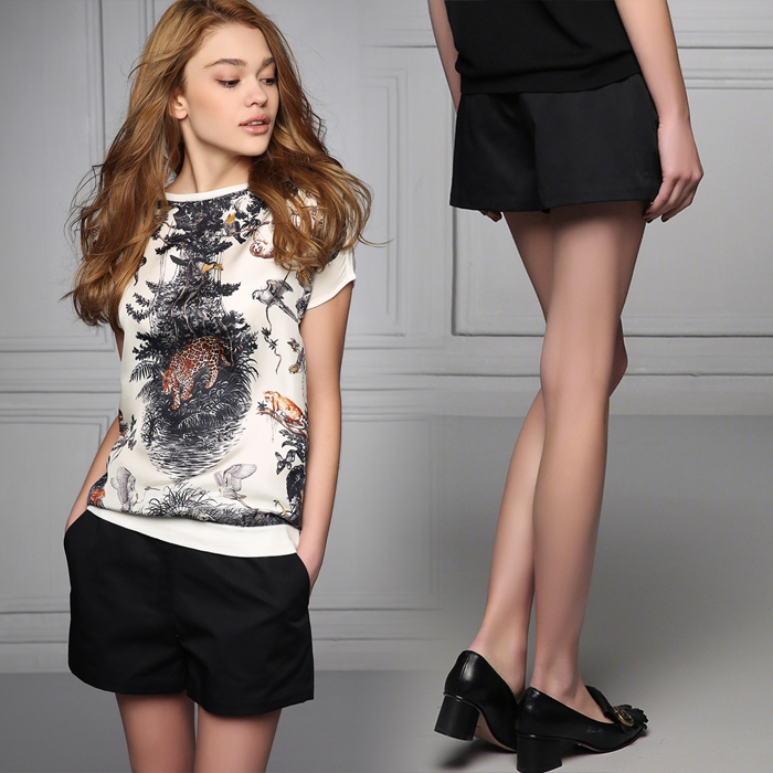Easy to shape long legs 17 spring and summer new European and American simple versatile Black Slim short casual pants