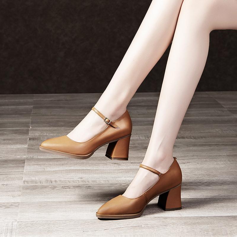 大码女鞋2019夏新款尖头单鞋粗跟高跟鞋复古小皮鞋女真皮玛丽珍鞋