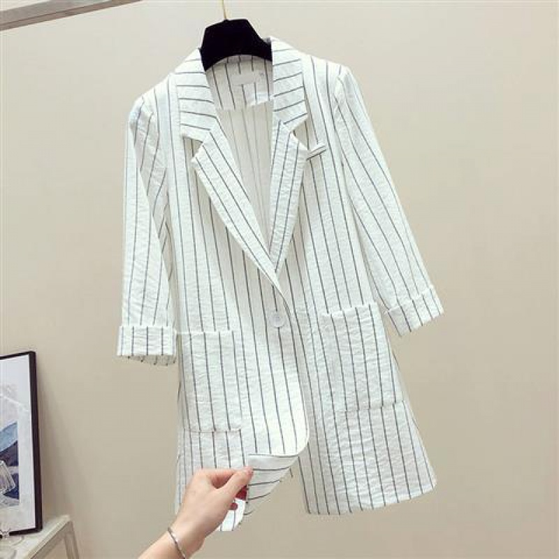 Spring / summer 2020 new loose British stripe Blazer coat women's medium length thin casual suit 38