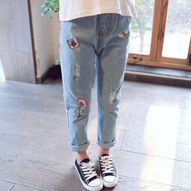2020秋季新款小蜜蜂刺绣牛仔女童裤3-6岁纯棉拉链时尚破洞长裤图片