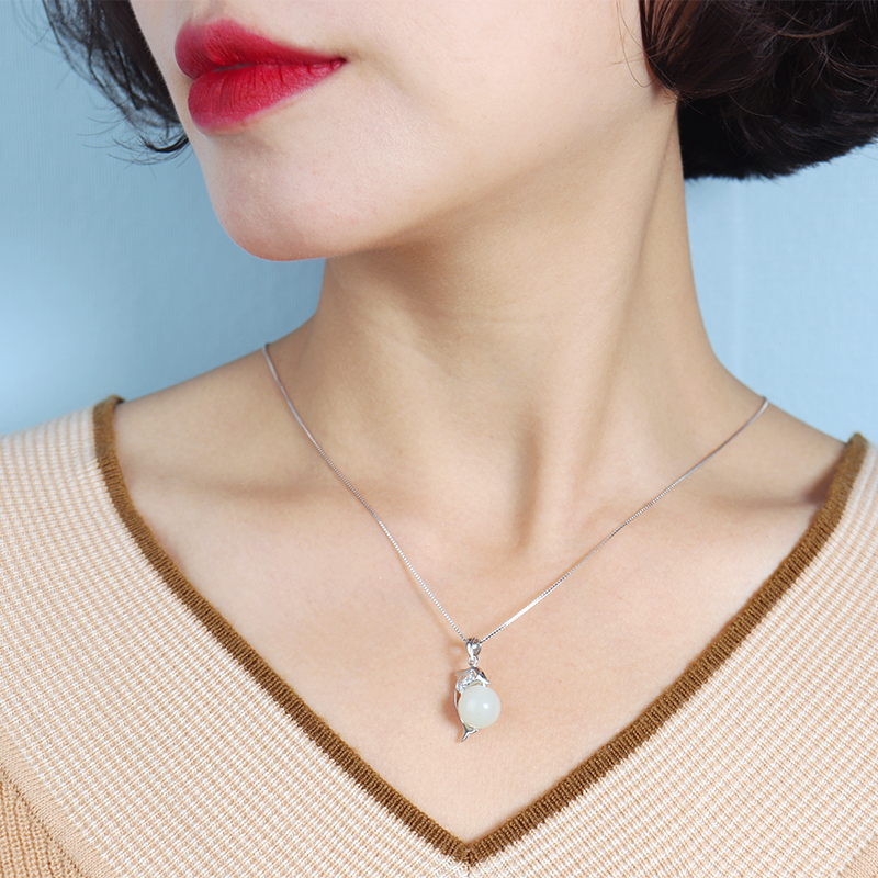 S925 silver inlaid natural Hetian jade Dolphin Necklace transfer bead clavicle chain dolphin love lady gift
