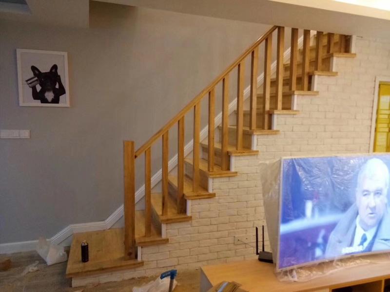原木室内楼梯踏板实木栏杆立柱欧式中式主材家装
