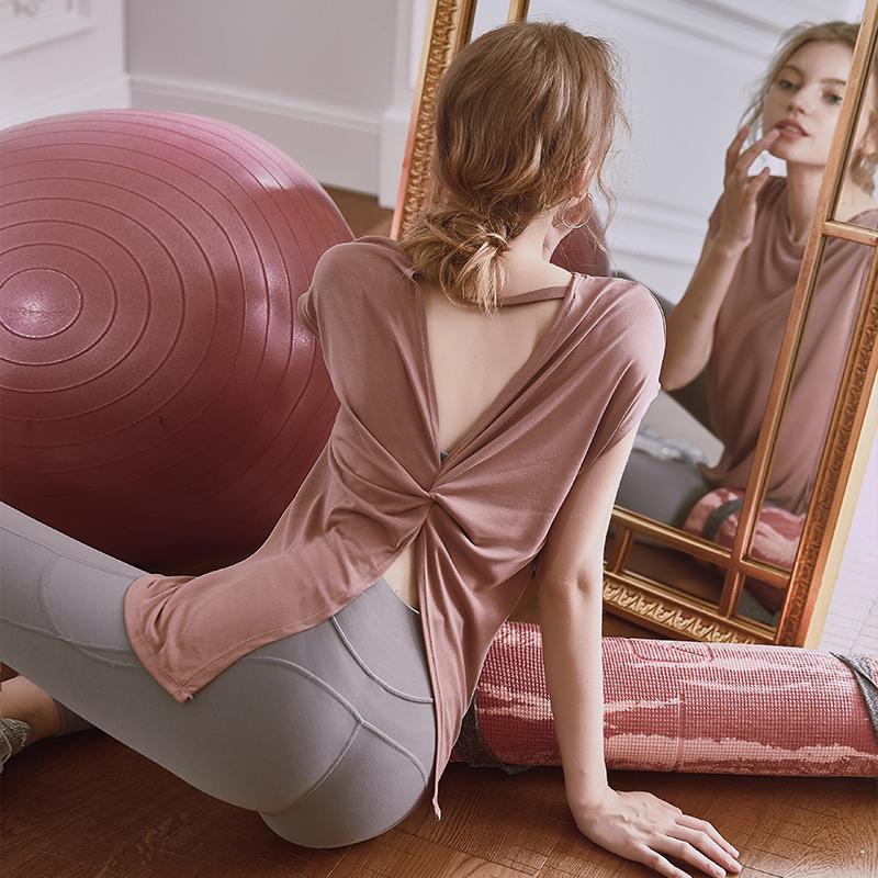 运动女短袖宽松健身服性感网红t恤79.00元包邮