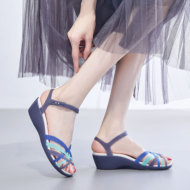 Summer new plastic sandals female mother medium heel cheongsam beach shoes cave slope heel fish mouth crystal jelly shoes woman