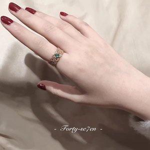 巴洛克祖母绿宝石指环西洋复古轻奢宫廷开口蕾丝镂空宽戒指女金色