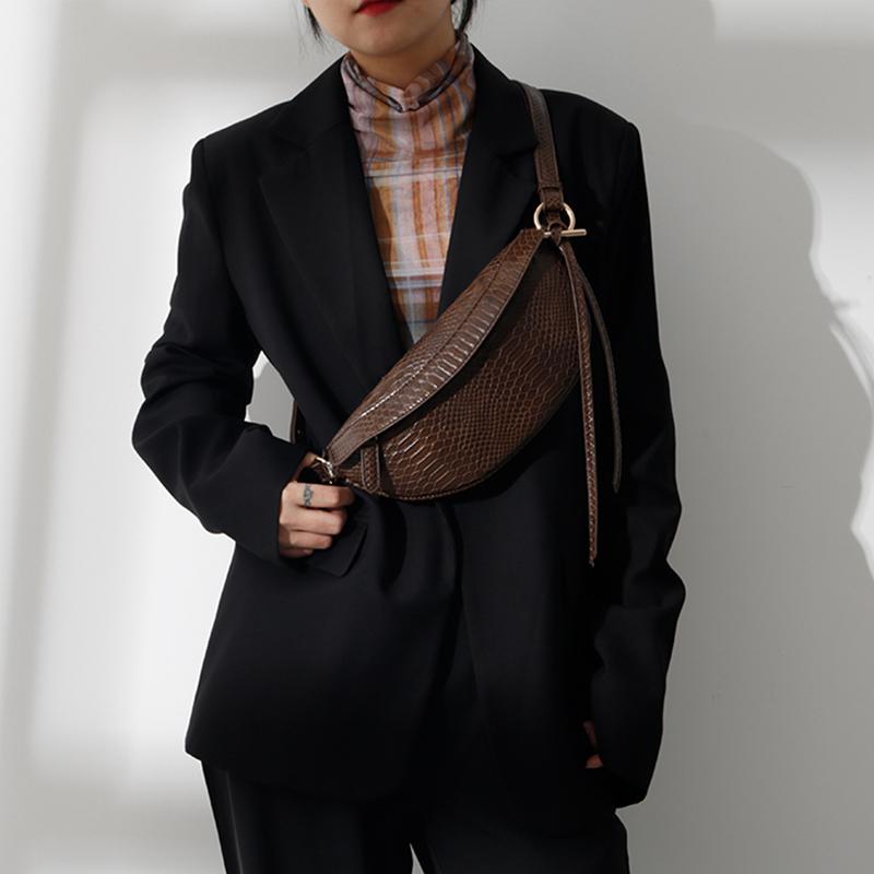 (用5元券)2019秋冬新款小众设计师潮牌复古鳄鱼纹胸包时尚百搭腰包单肩包包