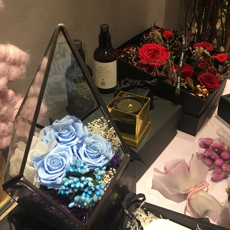 永遠の花のガラスの贈り物箱のバラのバレンタインデー520誕生日プレゼントdiyドライフラワーの振り子を輸入して彼女に送ります。