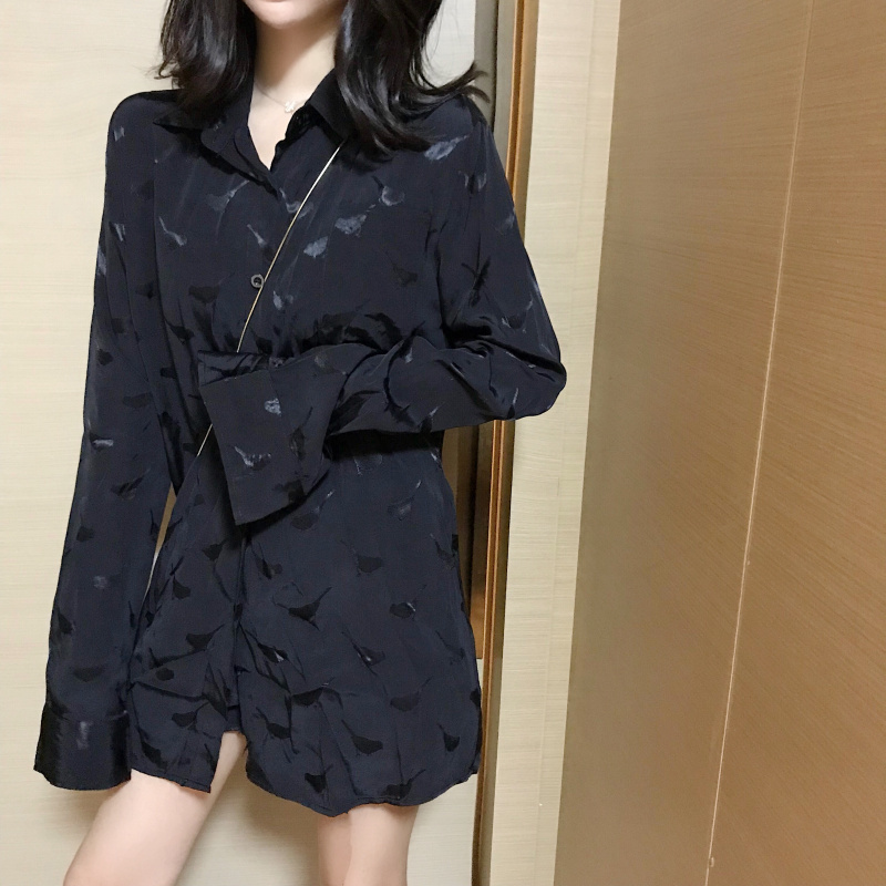 秋装女2018新款设计感韩版chic上衣慵懒衬衣长袖宽松印花心机衬衫