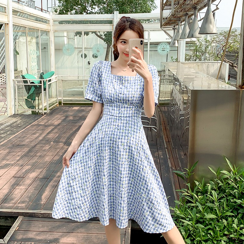 Summer 2020 new small wrinkle chrysanthemum print Blue Plaid Dress with womens collar and Platycodon grandiflorum waist