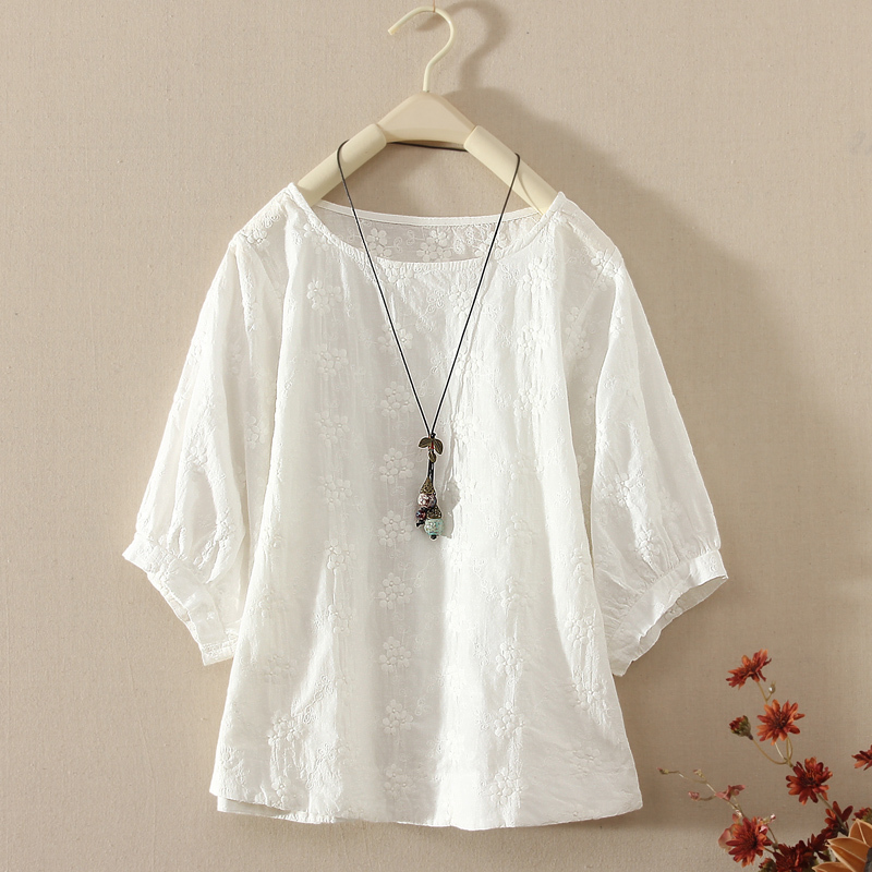 b6832ec6aec White cotton and linen tops summer 2018 new lantern sleeves dolls loose  embroidered linen cotton short