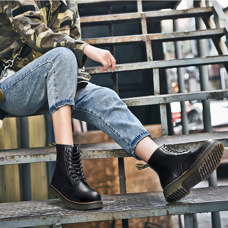 New Martin boots womens autumn and winter 2021 womens shoes middle tube flat heel lace up leather round head black work shoes mens shoes