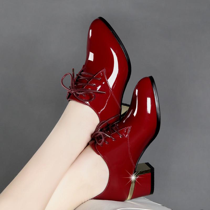 百丽 高特真皮高跟鞋粗跟红色漆皮英伦风系带舒适百搭深口女单鞋