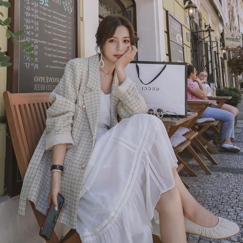 实拍小香风复古米杏色格子珍珠单排扣收腰系带显瘦气质西装外套女