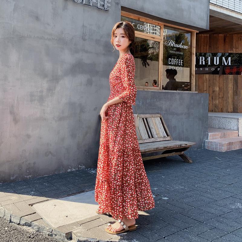 碎花连衣裙女夏2019流行新款小清新裙子超仙V领收腰甜美雪纺长裙