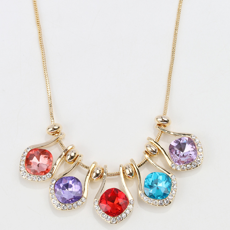 New multi-layer crystal clavicle chain, European and American fashion, national style, personality, versatile Rhinestone, diamond inlaid multiple Pendant Necklaces