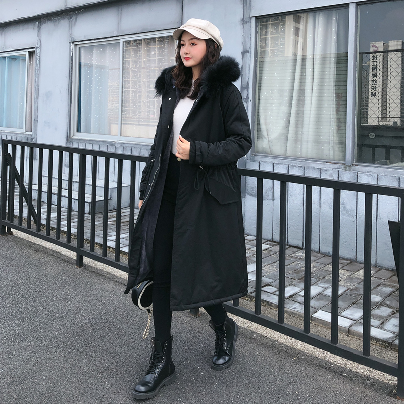 Lei Yan faction overcomes long style over knee coat in 2019 winter
