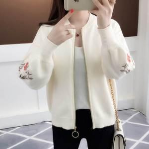 法式秋款衣服女生冬季短装毛衣外套女2018新款针织开衫加厚百搭。