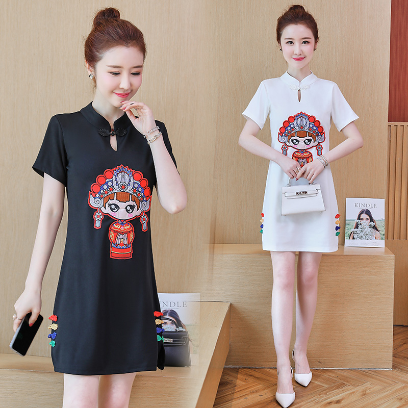 Chinese style womens new summer loose large temperament cheongsam embroidery Fuwa dress national style