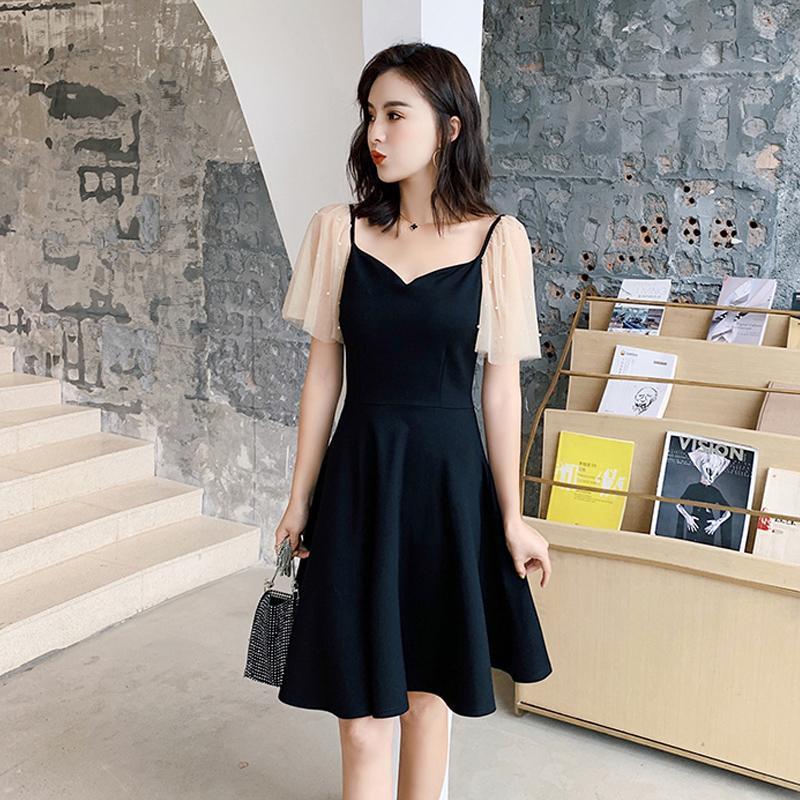 2021夏季小个子V领洋气连衣裙法式复古赫本风钉珠网纱拼接小黑裙